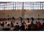 Des danseurs du Ballet Preljocaj au lycée